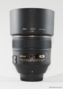 Nikon AF-S 85mm f/1.4G with hood on