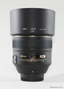 Nikon AF-S 85mm f/1.4G with hood on