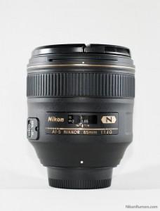 Nikon AF-S 85mm f/1.4G without hood