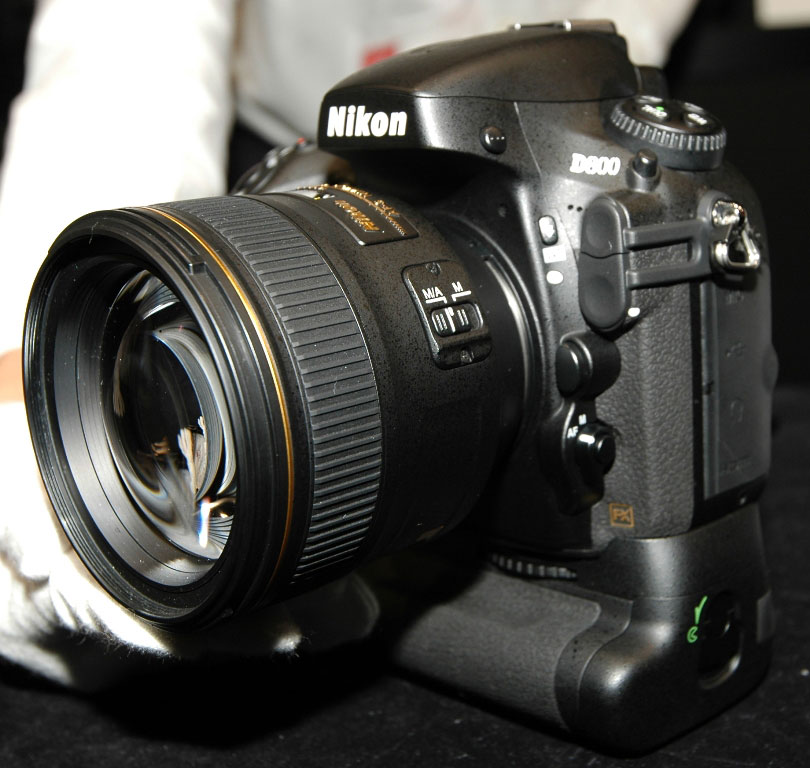 Nikon D800 Hands On Trial Sample with MB D12 and 85 1 Nikon at the 2012 CP+ show (pictures, D800 hands on, D4 demo videos)