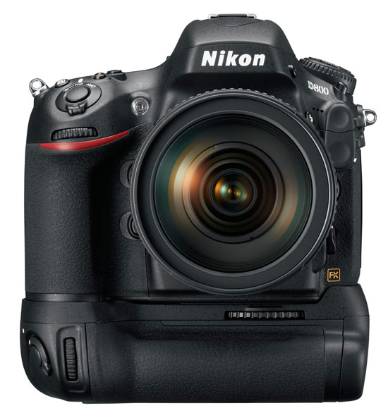 Nikon D800 with MB-D12 battery grip