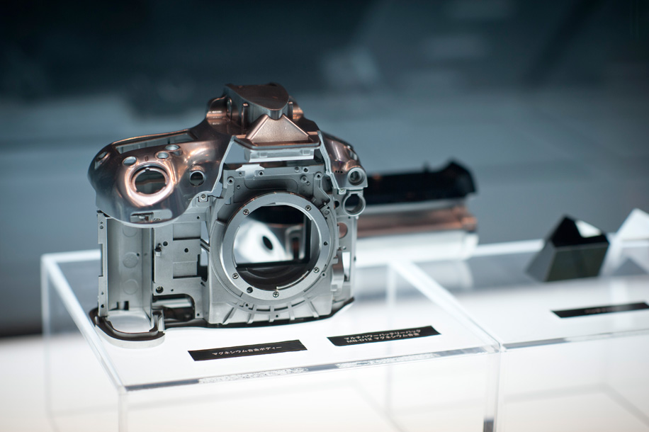 Nikon D800 body CP+ Nikon at the 2012 CP+ show (pictures, D800 hands on, D4 demo videos)