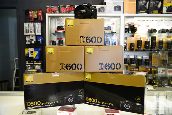 Nikon D600 now shipping Nikon D600 shipping to retailers five days after the announcement!