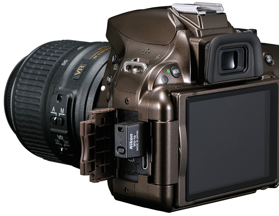 Nikon D5200 and WR-R10/WR-T10 wireless remote controller announcements