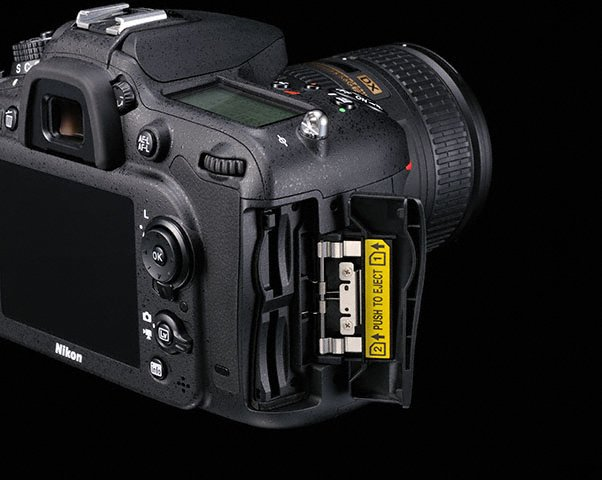 Nikon D7100 double SD card slot Nikon D7100 announcement