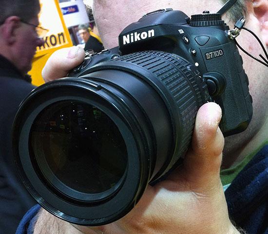 Nikon-D7100-camera-shipping