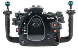 Nauticam-NA-D7100-underwater-housing-for-Nikon-D7100-back