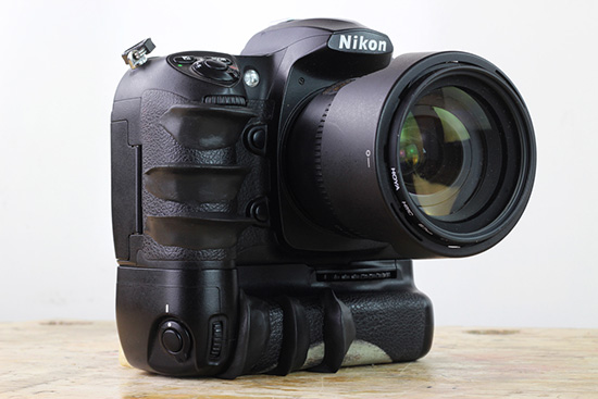 DIY-Nikon-DSLR-camera-custom-grip