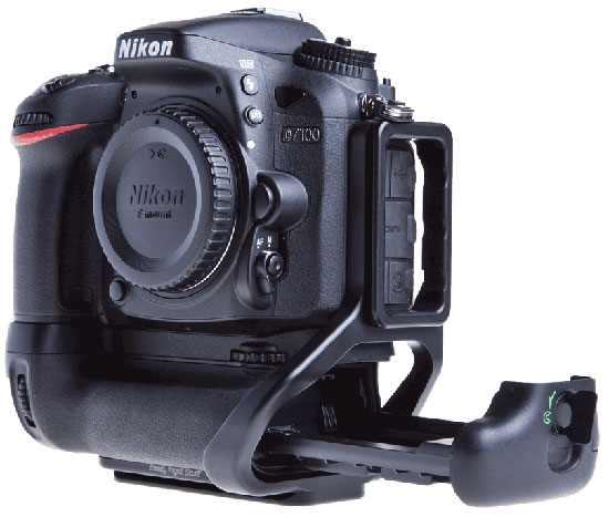 RRS-for-Nikon-D7100-battery-grip