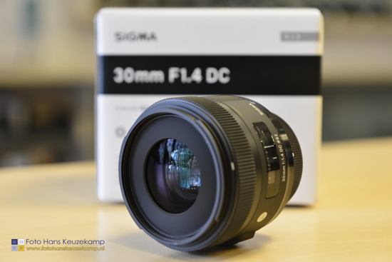 Sigma 30mm f1.4 DC HSM lens for Nikon 2