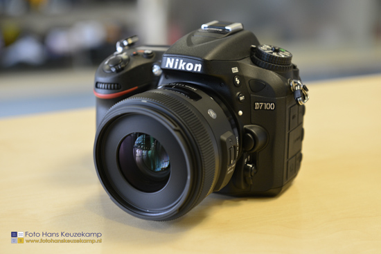 Sigma 30mm f1.4 DC HSM lens for Nikon 4