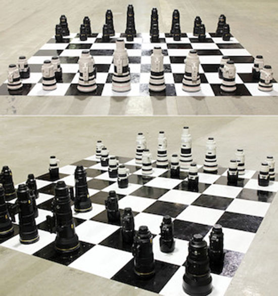 Nikon-vs.-Canon-lens-chess-set