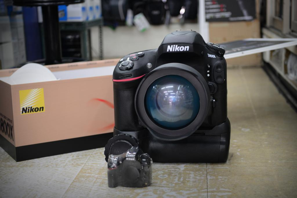 To get a better feeling on the size of this D800X model, check out