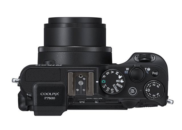 Nikon Coolpix P7800 top
