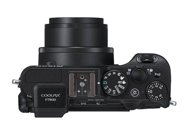 Nikon Coolpix P7800 top