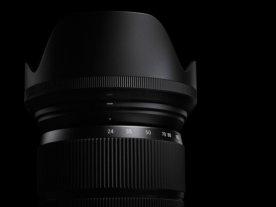 Sigma-24-105mm-f4-DG-OS-HSM-lens-1