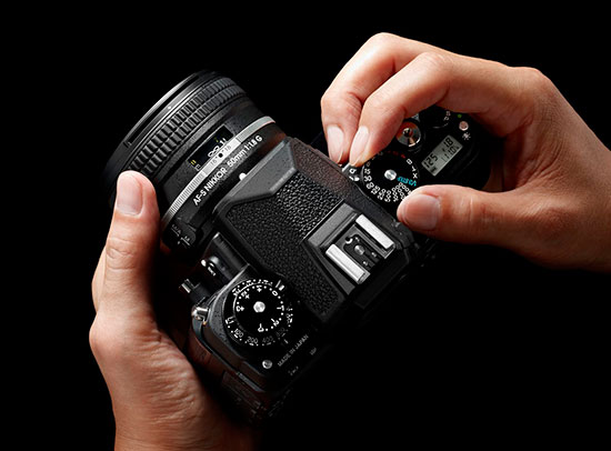 Nikon-Df-camera-in-hands