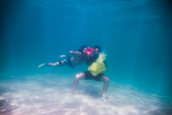 Nikon-D800-captures-underwater-color-explosions