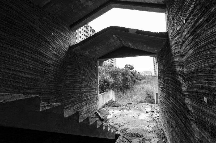 Urban Exploring in Korea 13