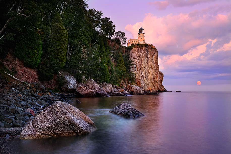 Split Rock Lighthouse Moonrise