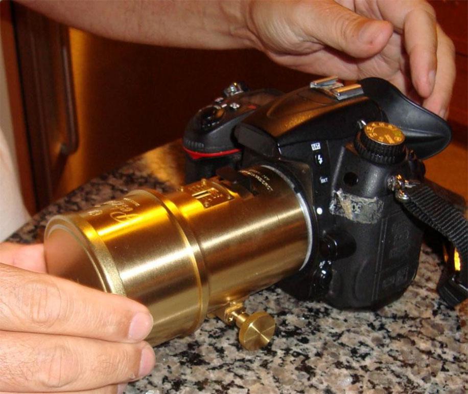Lomography-Petzval-85mm-lens-on-Nikon
