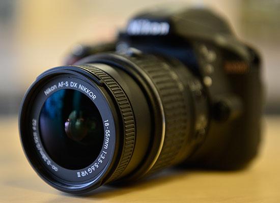 Nikon-D3300-kit-lens