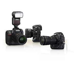 Nikon D4s with flash