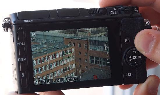 Nikon-1-V3-camera-doing-20-fps-burst