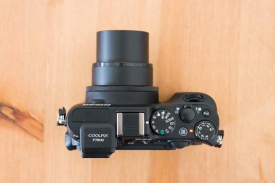 Nikon-Coolpix-P7800-Top