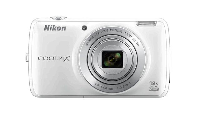 Nikon Coolpix S810c camera front
