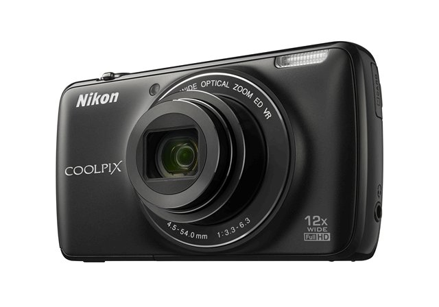 Nikon Coolpix S810c camera side