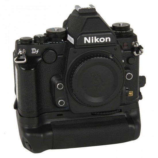 Third party battery grip BG-2P for Nikon Df camera