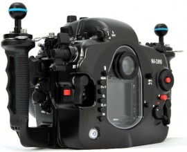 Nauticam-NA-D810-underwater-housing-for-Nikon-D810-camera-4