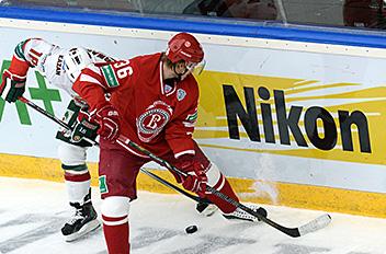 Nikon is a sponsor of the Kontinental Hockey League's Championship