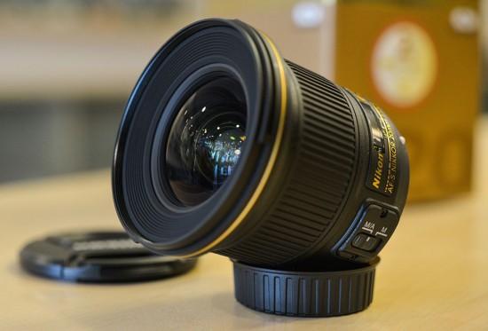 Nikon-20mm-f1.8G-ED-lens-550x373.jpg