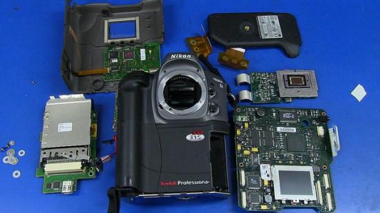 Teardown-of-the-Kodak-DCS315-modified-Nikon-Pronea-6i-film-SLR-camera