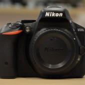Nikon-D5500-DSLR-camera-1