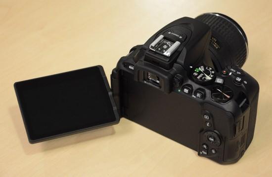 Nikon-D5500-DSLR-camera-2