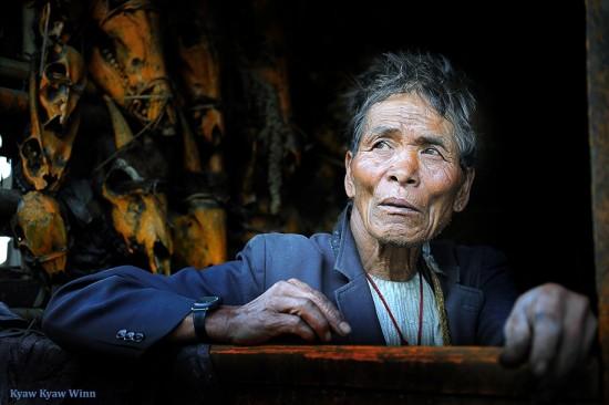 Kyaw-Kyaw-Winn_Chin-Man-Mindon-skulls_Chin-State-Myanmar