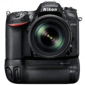 Nikon-D7200-with-battery-grip
