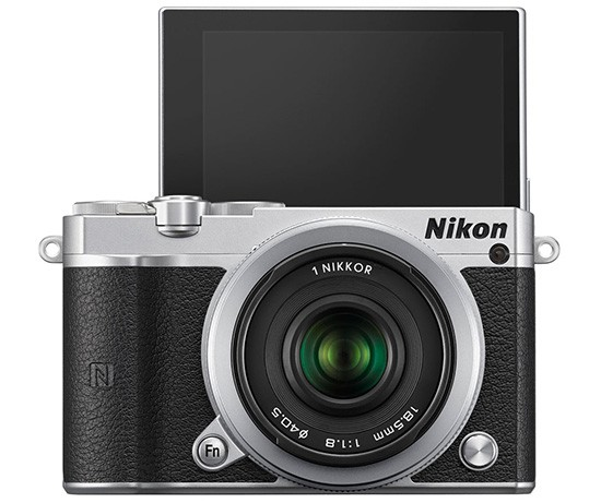 Nikon-1-J5-camera-selfie-screen