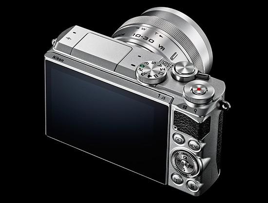 Nikon-1-J5-mirrorless-camera-2