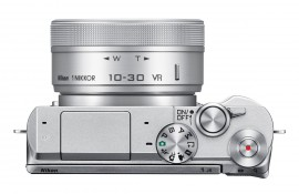 Nikon 1 J5 mirrorless camera 3