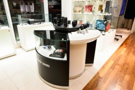 Nikon Plaza Ginza showroom and service center 6