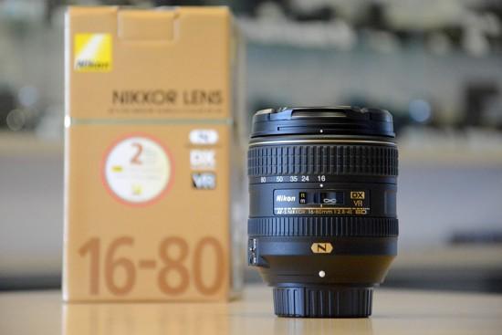 Nikkor-AF-S-DX-16-80mm-f2.8-4E-ED-VR-lens