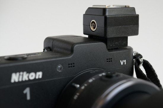 V2-F1A-flash-hot-shoe-adapter-for-Nikon-1