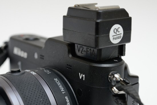 V2-F1A-flash-hot-shoe-adapter-for-Nikon-1-V1-camera