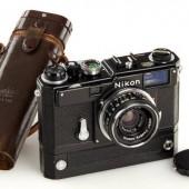 Nikon S3M black half-frame camera