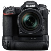 Nikon-D500-with-MB-D17-multi-power-battery-pack