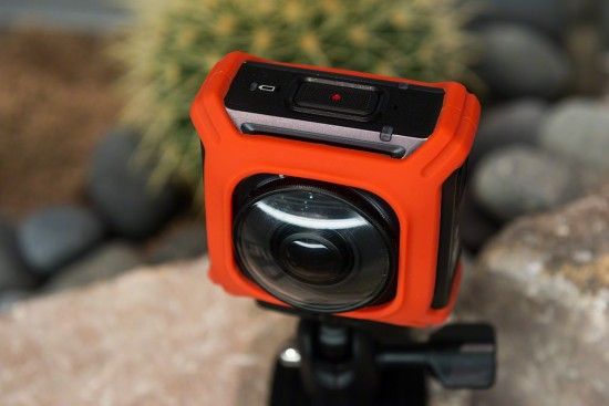 Nikon KeyMission 360 action camera 2